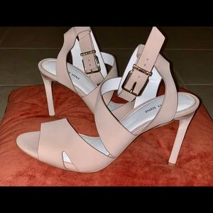 Gianni binni beige sandals